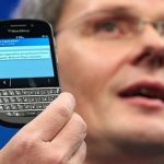 BlackBerry courts business users again