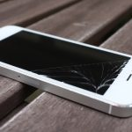 Apple gets patent to prevent cracked screens by rotating iPhones as they fall