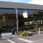 India tells Apple: You can open stores in the country, if you create jobs