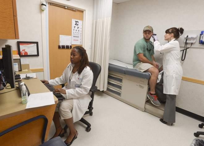 cvs putting medical clinics in 8 south la locations