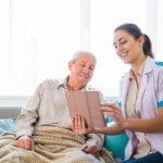 Five Ways Messaging in Home Healthcare Improves Patient Care